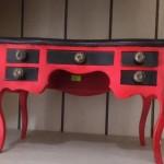 שולחן כתיבה מינייטורי